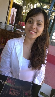 Profª Dra. Verônica Ortiz Alvarenga - UFMG