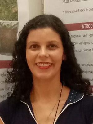 Juliana Cristina dos Santos Almeida Bastos