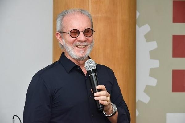 Prof. Paulo Helene