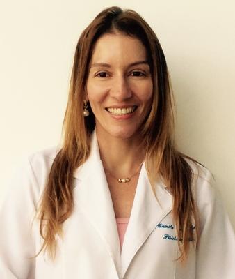 Dra. Camila Reinbold Rezende