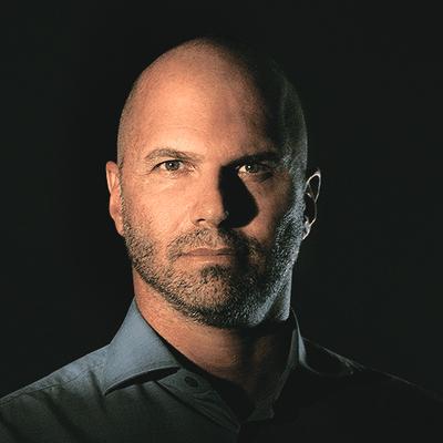 Dr. Eduardo Picanço