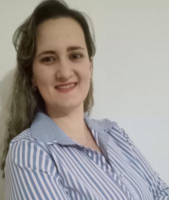 Joyce Almeida Dias, Doutora