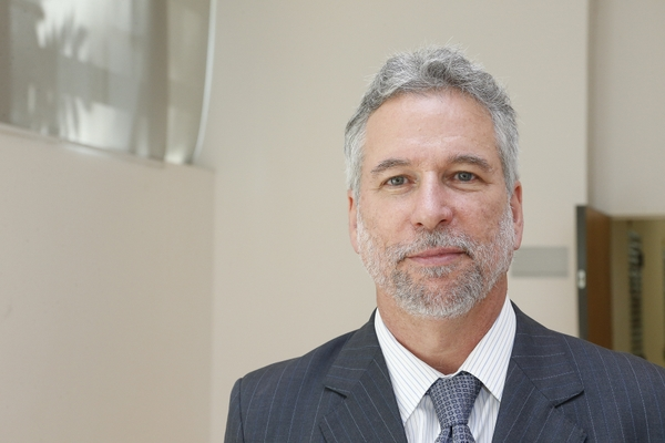Prof. Dr. Marcio de Castro Silva Filho