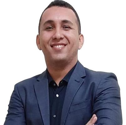 Dennis Gonçalves Novais