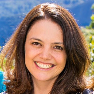 Profa. Dra. Adaliene Versiani Matos Ferreira