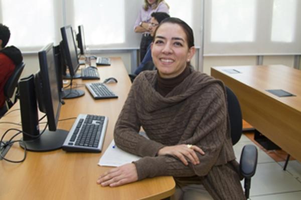 Profa. Dra. Lorena Guadalupe Barberia