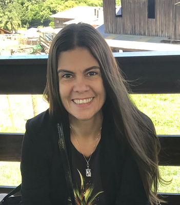 Paula Andrea de Albuquerque Salles Navarro