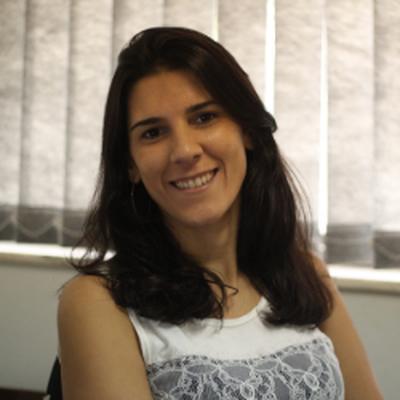 Profa. Dra. Daniele Cristina de Aguiar