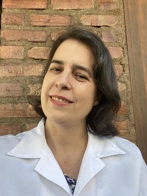 Cíntia Barros Santos-Rebouças