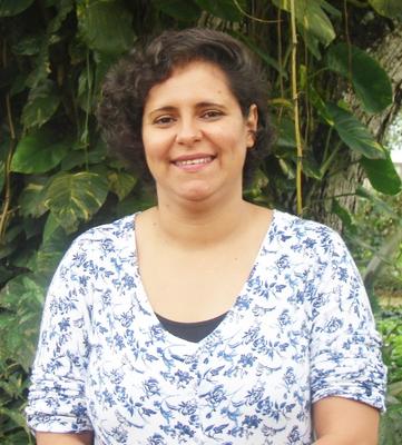 Áurea Fabiana Apolinário de Albuquerque Gerum, Doutora