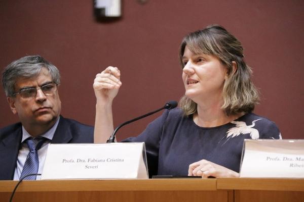 Profa. Dra. Fabiana Cristina Severi