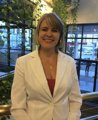 Dra. Renata Bessa