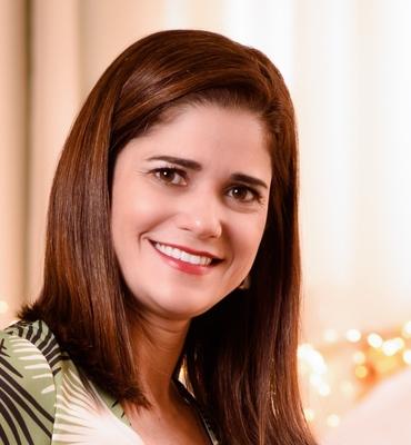 Emiliane Andrade Araújo Naves