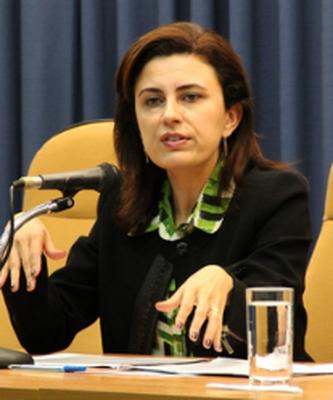 Dra. Clarissa Costa de Lima