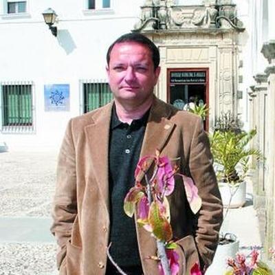 Dr. Luis Carlos Contreras González
