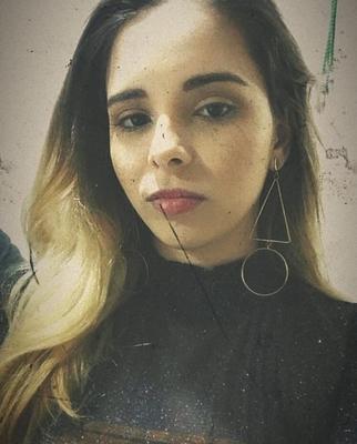 Eduarda Muniz Bucker de Carvalho