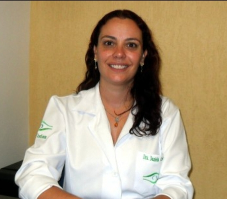 Dra . Daniela Cremonini