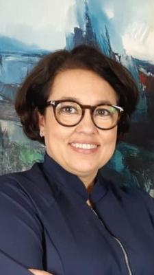 Dra. Cláudia Tavares-Silva MsD PHD