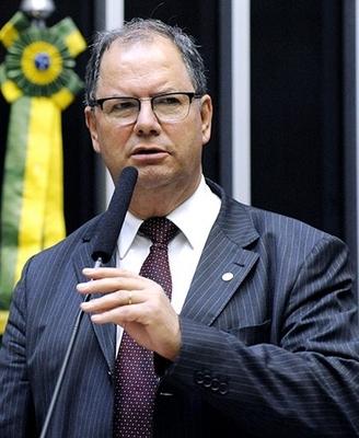 DEPUTADO FEDERAL ALCEU MOREIRA DA SILVA (MDB - RS)