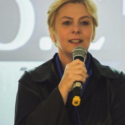 Ângela W. Lima