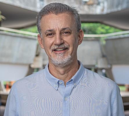 Prof. Dr. Antonio José Meirelles