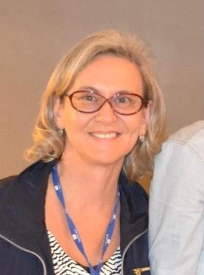 Dra. Cláudia dos Santos Dutra Bernhardt