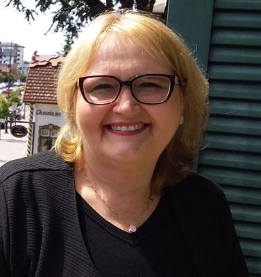 Dra. Ana Cristhina de Oliveira Brasil de Araújo