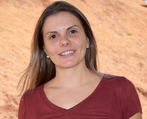 Carolina Caliari Oliveira