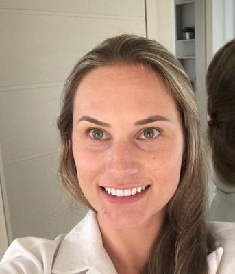 Dra. Karoline Bragante