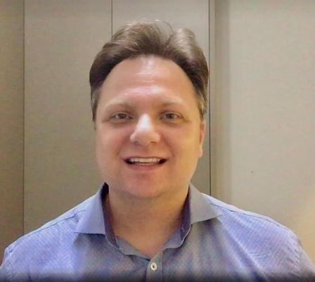 Dr. Juliano Tibola