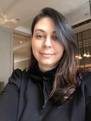 Aline zandra Vieira Bartcus