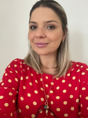 Aline Adria Quinaia