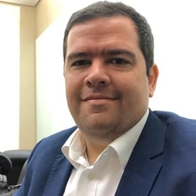 Henrique de Castro Neves