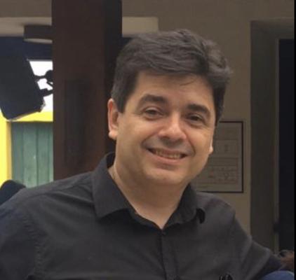 Roberto Santoro Almeida