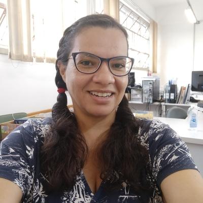 Ana Claudia Pinheiro da Silva Cruz