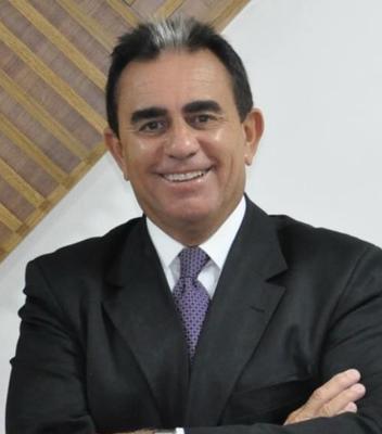 Flávio Lara Resende