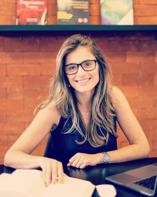 Lara Paiva