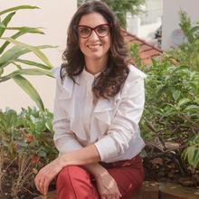 Claudia Cristina Naufel Terzian