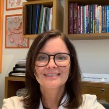 Lucia Camara Castro Oliveira