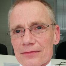 Dr Simon Wood