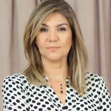 Adriana Carla Oliveira