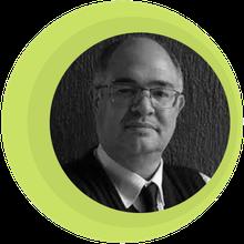 Dr. Helio Mororó Vieira de Mello - CRM 10914 PE
