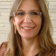 Profa. Dra. Helena Carasek