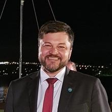 Glauco Bertoldo, Especialista