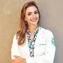 Dra. Andrea R. C. Moreira