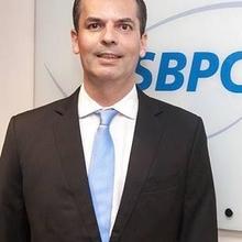 Dr. Carlos Eduardo dos Santos Ferreira