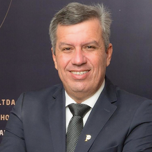Dr. Marcos Leão Vilas Boas