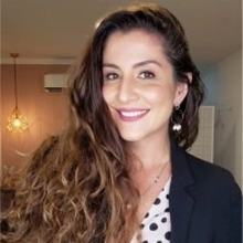 Dra. Carolina Sarmento