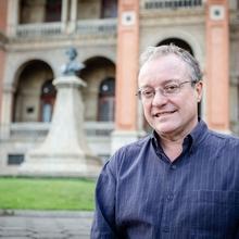 Dr. Carlos Augusto Grabois Gadelha